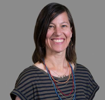 a headshot of Lynn Hutton, LCSW