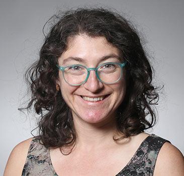 a headshot of Ava Asher